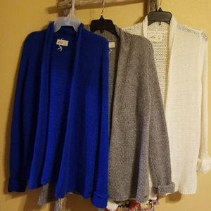 Hollister 3 pack Cardigan. Size L